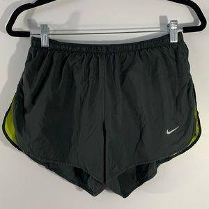 NIKE DRI-FIT . Running Shorts . L (12-14)